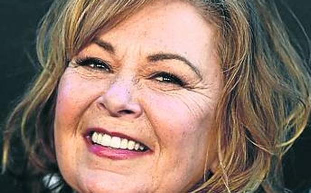 Cancelan exitosa serie Rosanne tras racista tuit de su protagonista