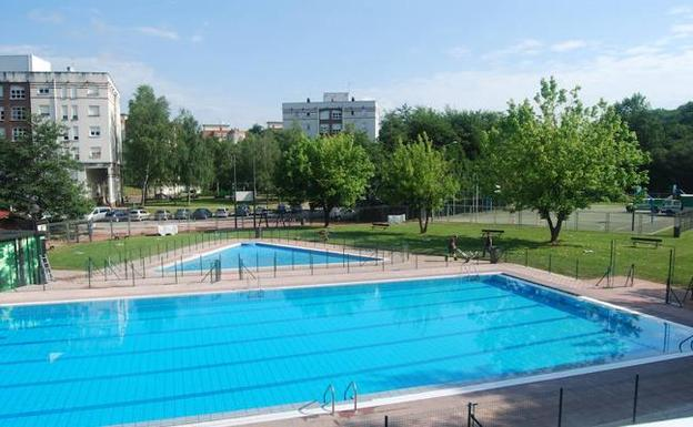 Las piscinas de amorebieta se abren a la pr ctica for Piscinas bizkaia