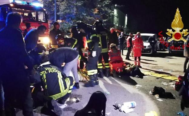 Seis muertos y decenas de heridos por estampida en discoteca en Italia