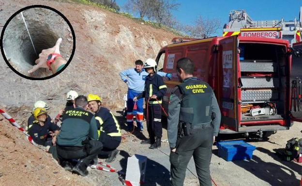 Intentan rescatar a un nene que se cayó a un pozo
