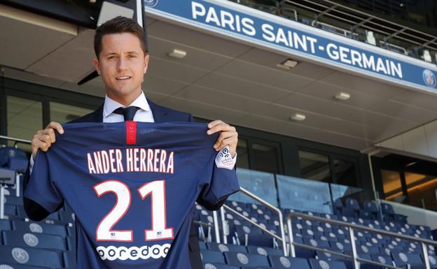 Ander Herrera llega libre al PSG y firma hasta 2024 — Oficial