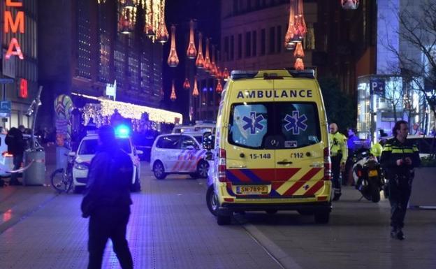 Varios heridos por apuñalamiento en la principal calle comercial de La Haya