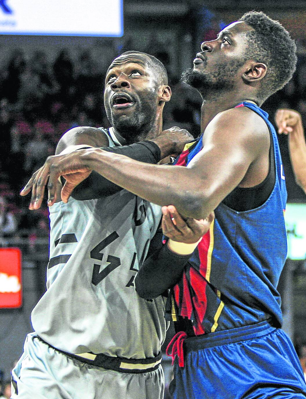Tonye Jekiri, el chico al que no le gustaba el basket | Baskonia - El Correo