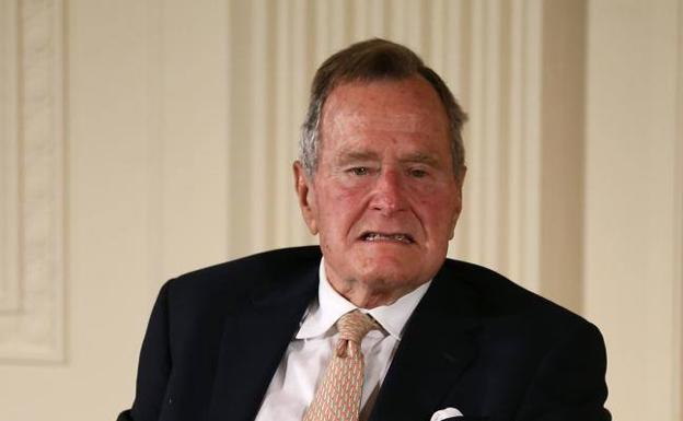 George Bush, sobón por partida triple