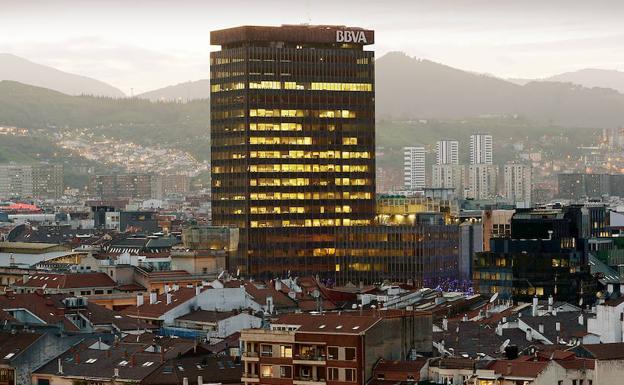 0aded40ebe20 El rascacielos del BBVA fue hasta la construcción de Torre Iberdrola el  techo de Bilbao con