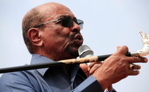 Omar al Bashir, en una imagen de archivo./REUTERS