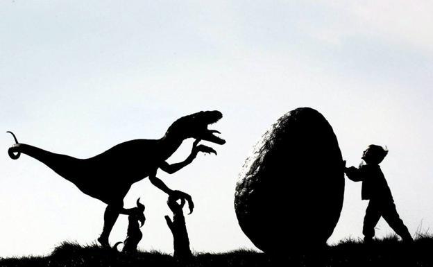 El Gran Misterio De Los Dinosaurios Por Que Fascinan A Los Peques El Correo Alguien que me pase alguna pagina donde venga informacion hacerca de esas fotos de dinosaurios de que son falsas o. el gran misterio de los dinosaurios