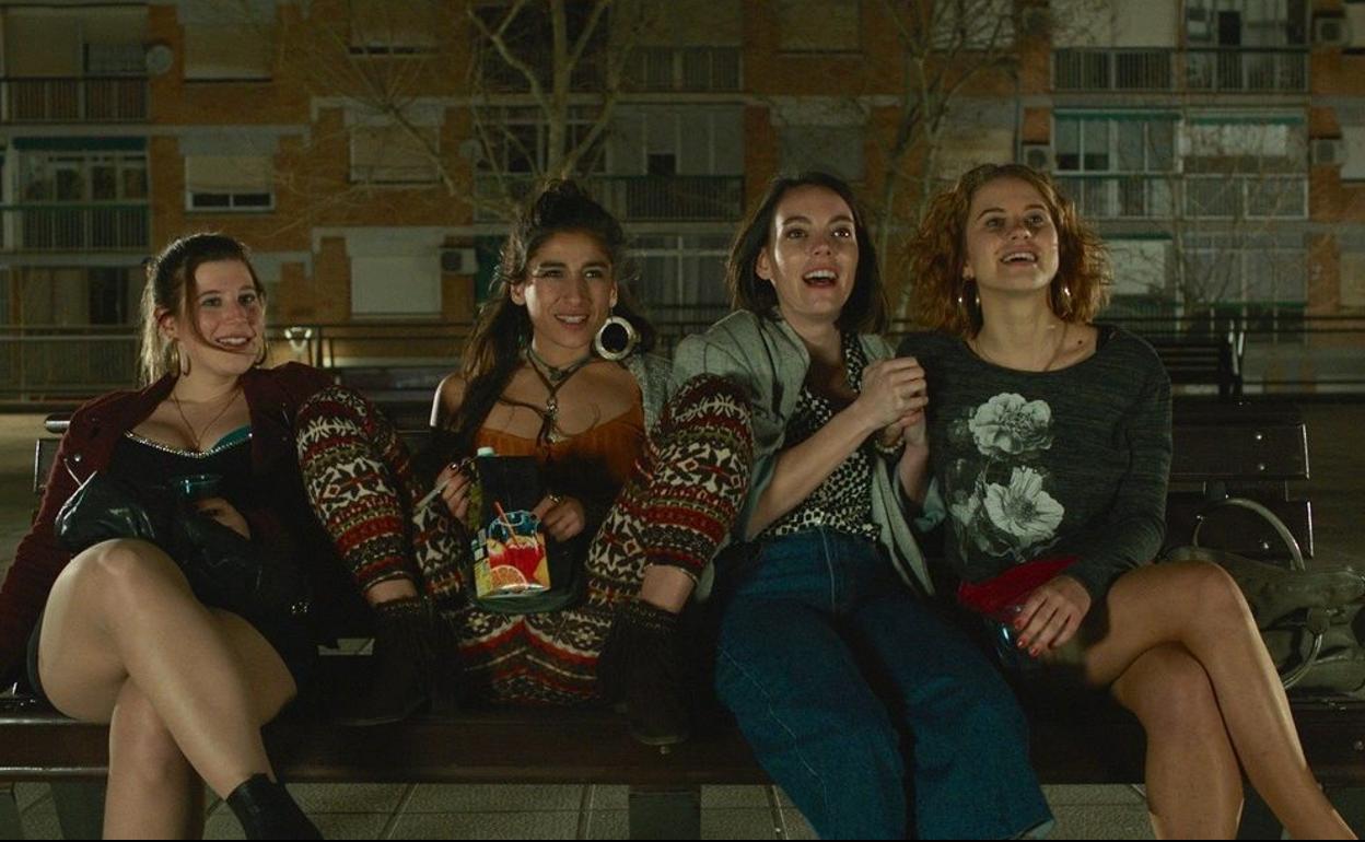 Chavalas', amistad femenina y canallismo de barrio | El Correo