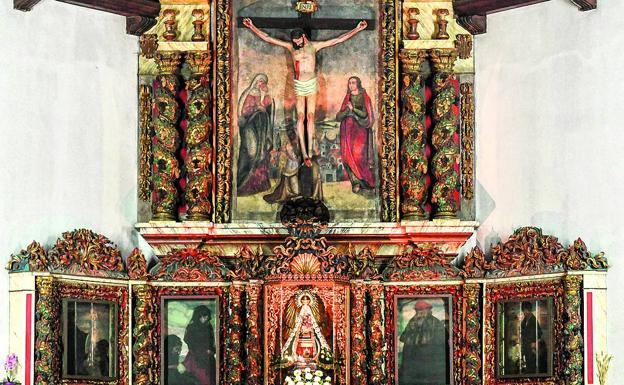 Baroque altarpiece, with a Gothic carving of the Virgin, which hosted Zuloaga's paintings in 1904.