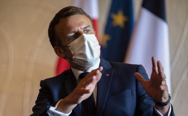 Macron denuncia el «egoísmo» de quienes protestan por la vacuna y el certificado sanitario
