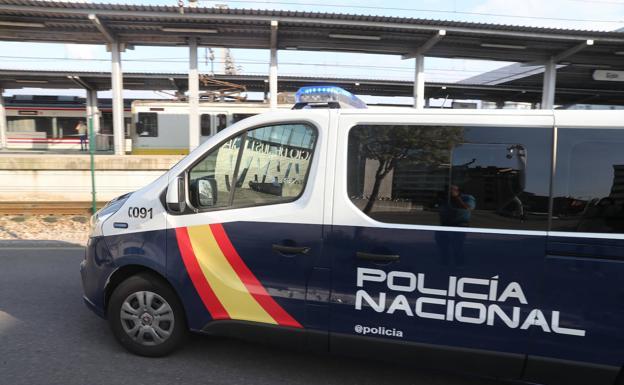 La jueza deja en libertad a dos acusados de la violación a dos chicas en Gijón y envía a prisión a otros dos