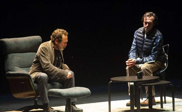 Juan Gea and Alberto Iglesias, in a scene from the play that reaches the Arriaga.