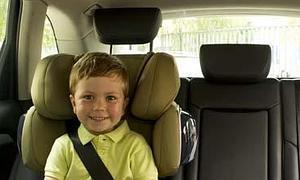 e541c64a3 Las sillas más seguras disponen de protectores y reposacabezas. /E. C.